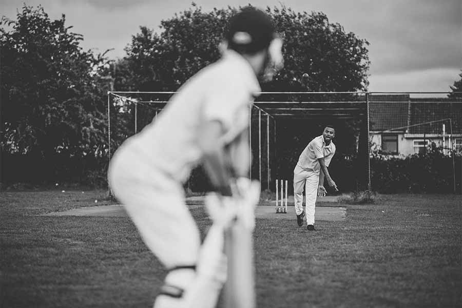 cricket bowler throwing the ball