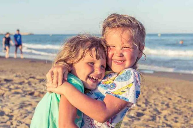 Happy-Siblings-Day-2021-Wishes-SMS-messages-quotes-WhatsApp-Facebook-Instagram.jpg