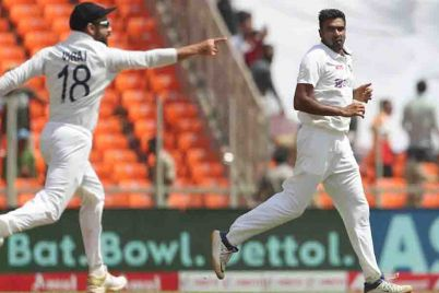 India-beats-England-by-an-innings-and-25-runs-to-clinch-Test-series-and-a-spot-in-World-Test-Championship-final.jpg