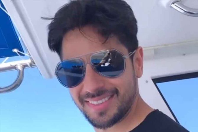Kiara-Advani-sends-out-birthday-wishes-for-rumoured-beau-Sidharth-Malhotra-with-an-unseen-video-from-Maldives-vacay.jpg