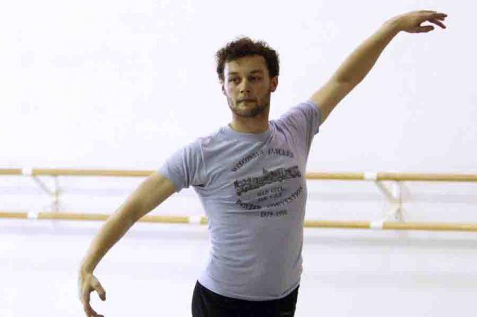 Liam-Scarlett-Acclaimed-British-Choreographer-Dies-35.jpg