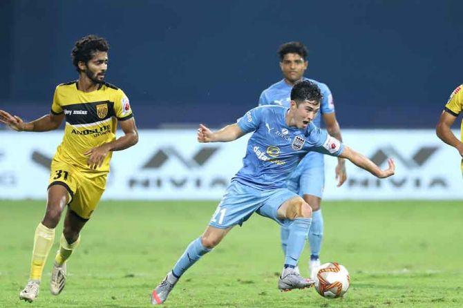 Mumbai-City-0-0-Hyderabad-Gritty-Nizams-league-leaders.jpg