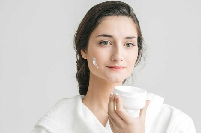 Natural-Ways-To-Reduce-Aging-And-Look-Young.jpg